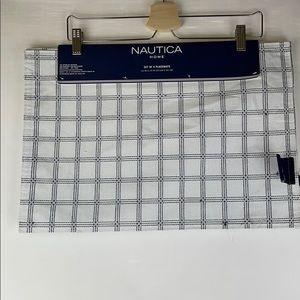 NWT NAUTICA White Windowpane Plaid Placemats Set 4